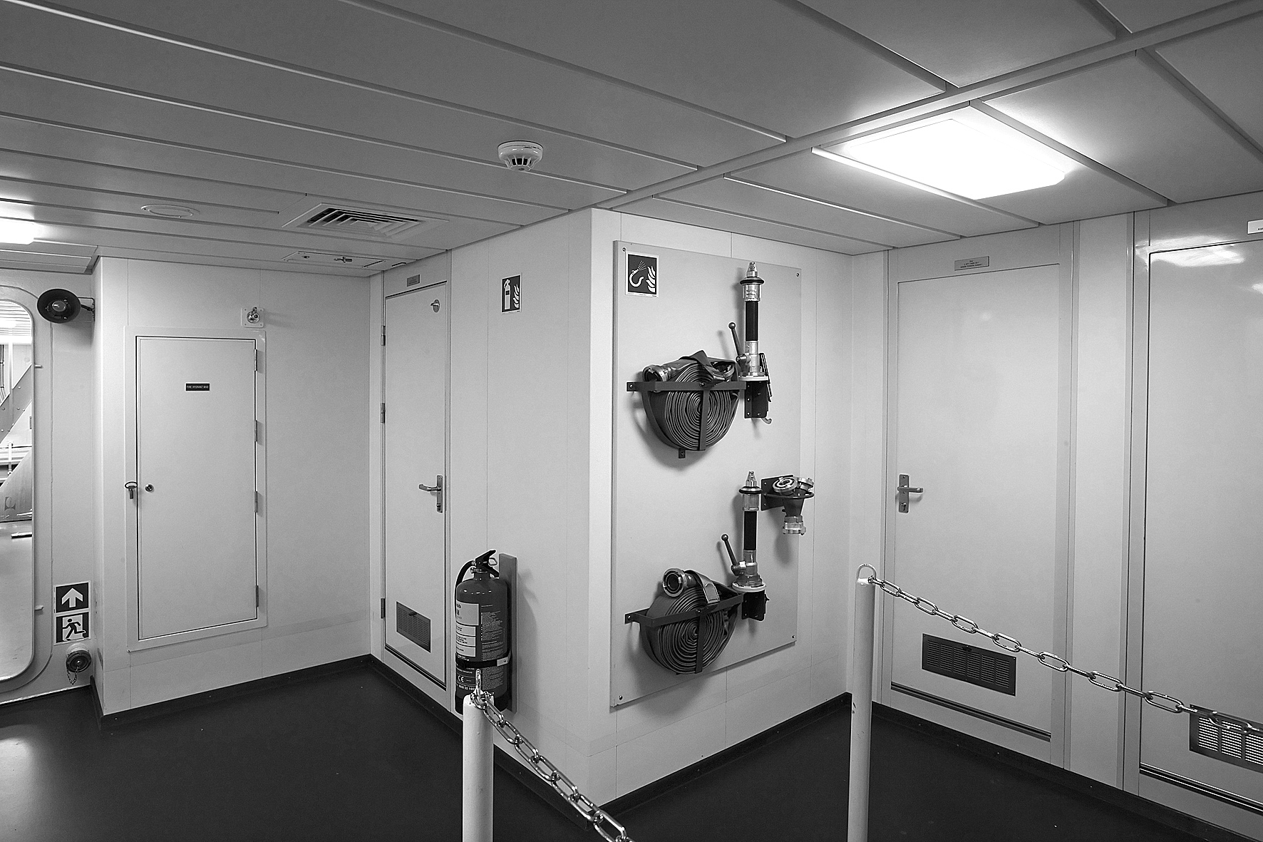 3-Panel-doors-ceiling-and-flooring-ZW